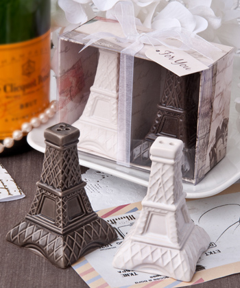 Eiffel Tower design salt and pepper shakers.
