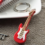 Classic red electric guitar design key chain fashioncraft